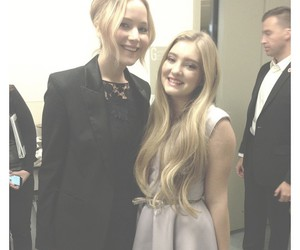 willow shields, Jennifer Lawrence, and hunger games image