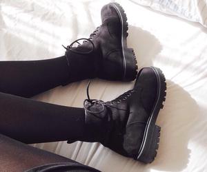black, chaussure, and grunge image