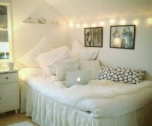 bedroom, christmas, and decoration image