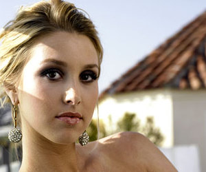 pretty and whitney port image