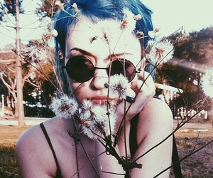 blue hair, girl, and flores image