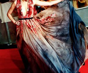 dress, Elizabeth Banks, and red carpet image