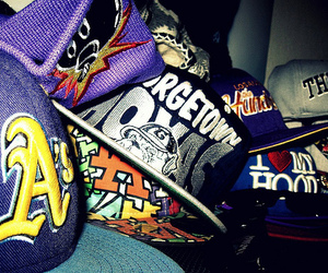 colorful, snap backs, and colourful image