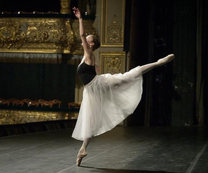 arabesque, art, and ballerina image