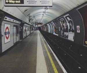 london and subway image