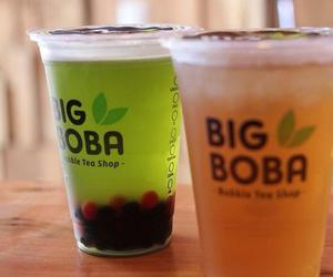 bubble tea, cold, and drink image