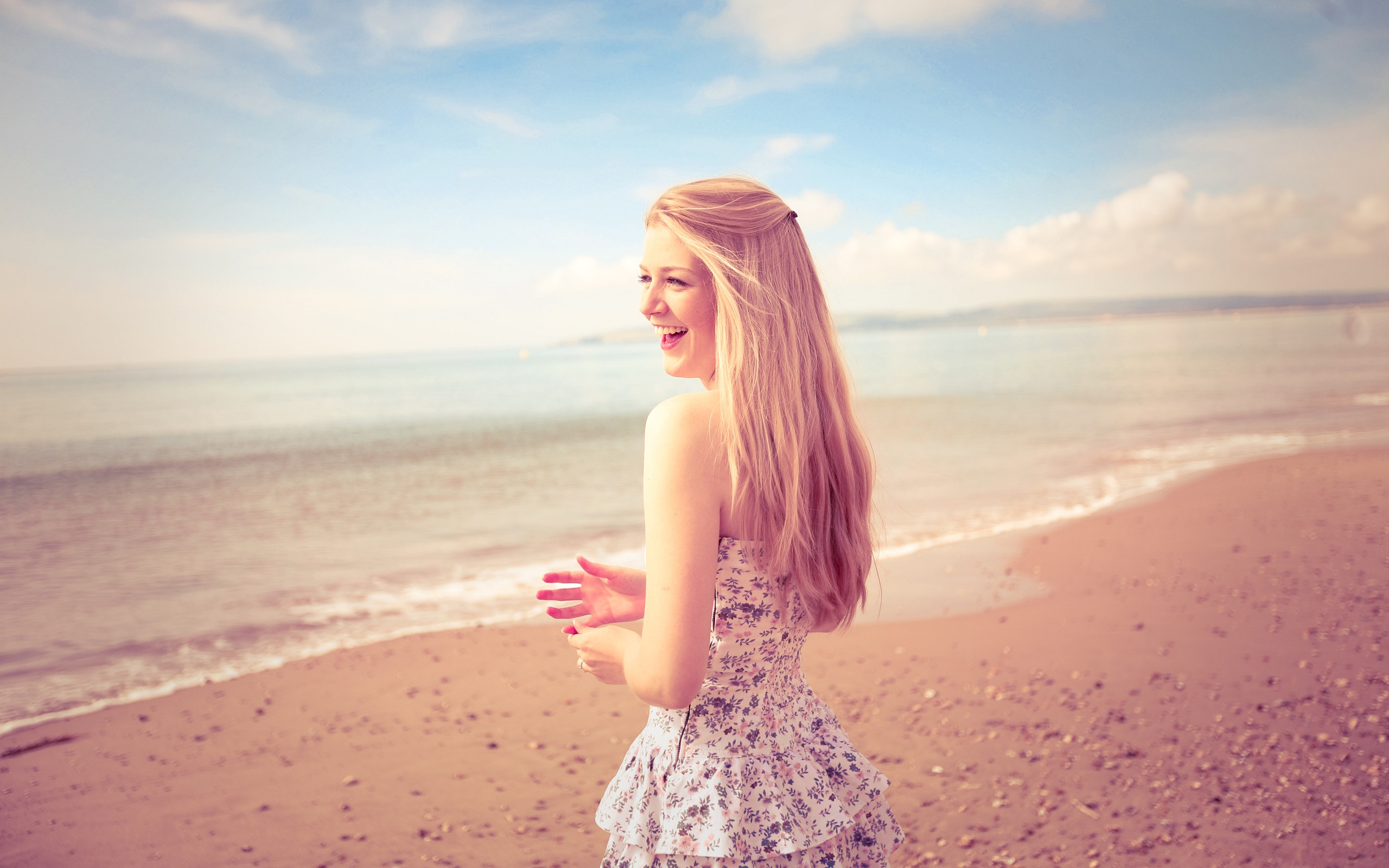 Women Blondes Awesome Girls Beach Smile Dress Happy Models Babes
