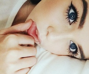 blue eyes, girl, and acacia clark image