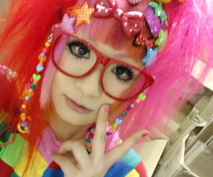 color, decora, and glasses image