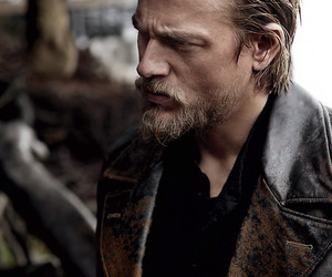 Charlie Hunnam, sons of anarchy, and sexy image