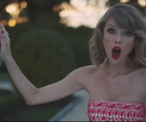 blank space and Taylor Swift image