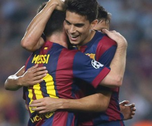 messi and marc bartra image