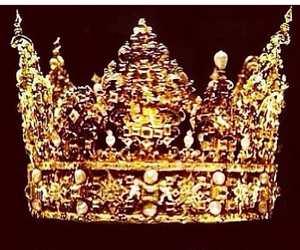 crown, bow down, and Queen image
