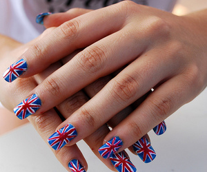 nails and london image