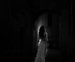girl and dark love image