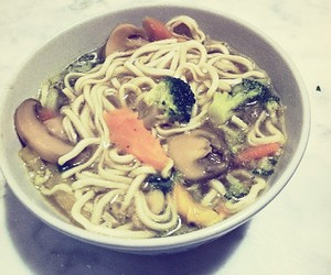 noodles, yummy, and veggies image