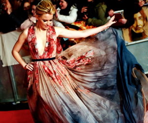 dress, Elizabeth Banks, and red carpet image