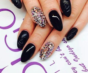 beauty, nailspolish, and nailsart image