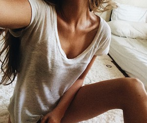 girl, body, and beauty image
