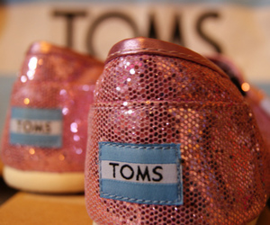 fashion, toms, and glitter image