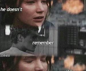 mockingjay, katniss, and peeta image