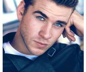 liam hemsworth, Hot, and liam image