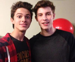 brent rivera, shawn mendes, and friends image