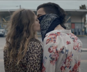 the 1975, love, and robbers image
