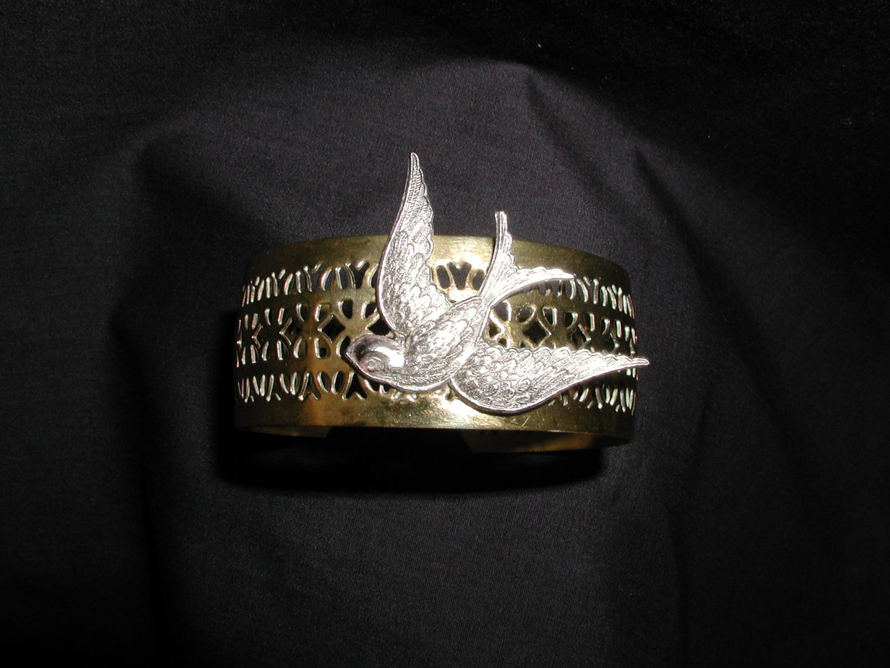 bracelet, jewelry, and bird image