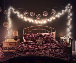 lights, room, and winter image