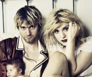 kurt cobain, nirvana, and Courtney Love image