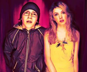 cassie, couple, and skins image