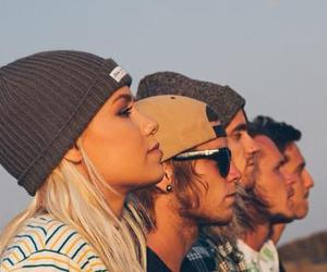 tonight alive and band image