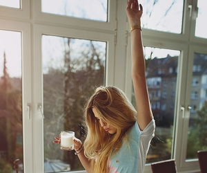 girl, morning, and blonde image