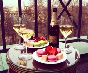 champagne, food, and macarons image