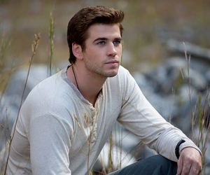 liam hemsworth, the hunger games, and mockingjay image