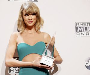 ama and Taylor Swift image