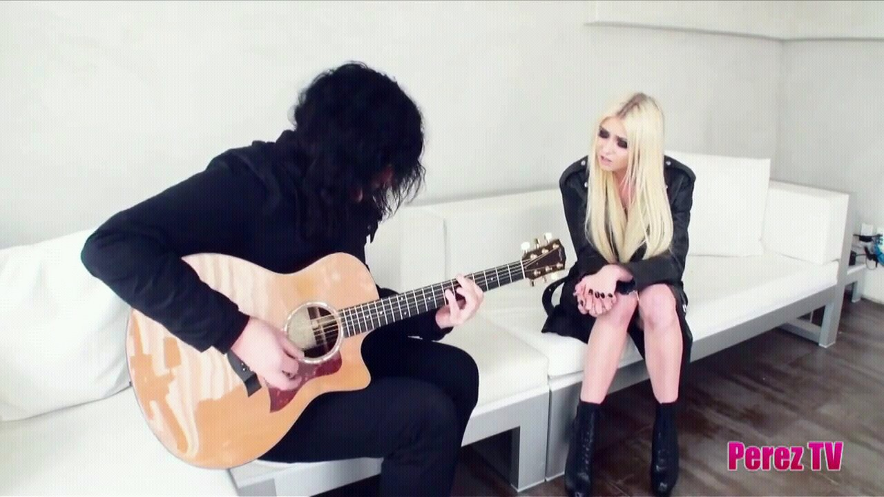 acoustic, Taylor Momsen, and the pretty reckless image