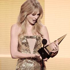 Taylor Swift, amas 2013, and amas 2014 image