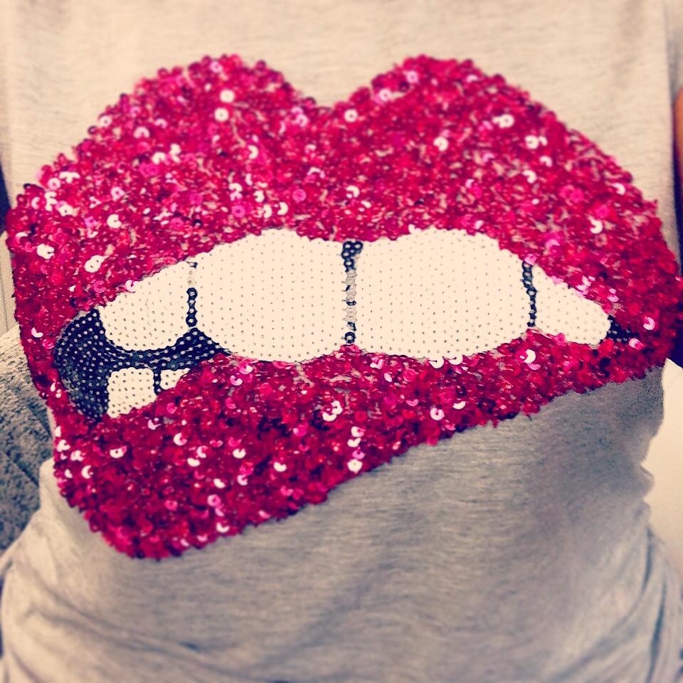 hm, kiss, and tee shirt image