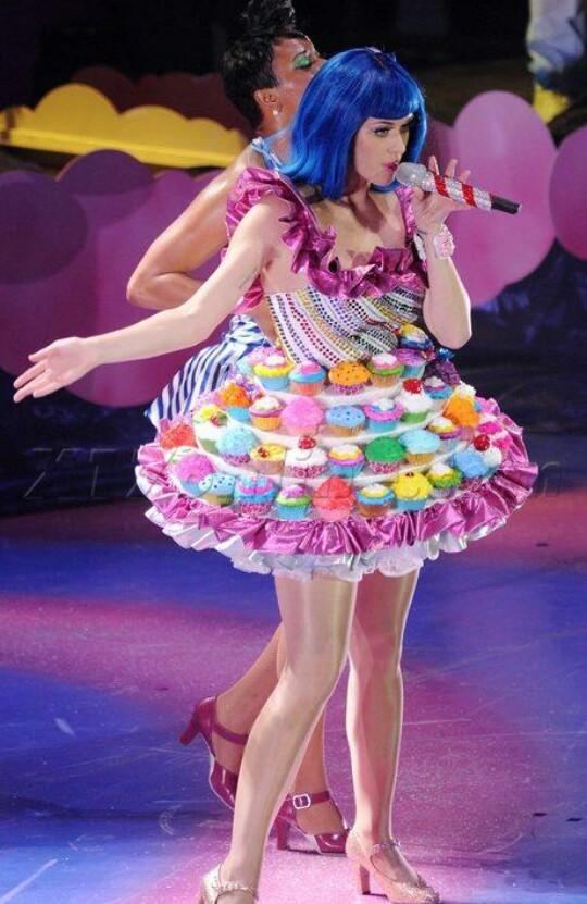 katy perry and cupcake image