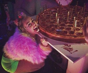 miley cyrus, birthday, and pizza image