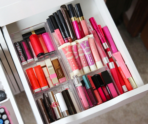 makeup, pink, and lips image