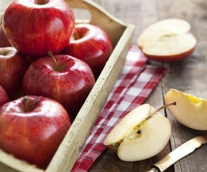 apple, FRUiTS, and frutas image