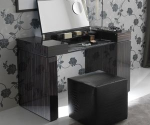 dressing table image