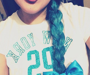 blue, trenza, and hair image