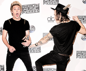 funny, american music awards, and niall horan image