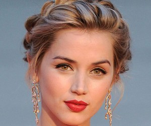hair, ana de armas, and hairstyle image