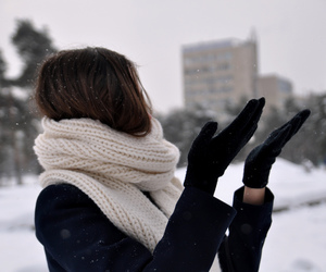 fashion, girl, and snow image