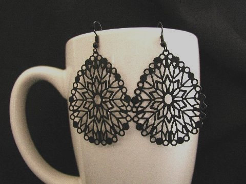 big earrings, jewelry, and dangle earrings image